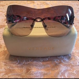 Versace Rimless Black & Pink Medusa Sunglasses 🕶